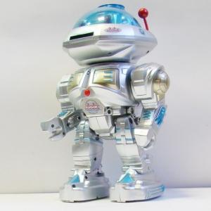 Робот с голосовым управлением и пультом